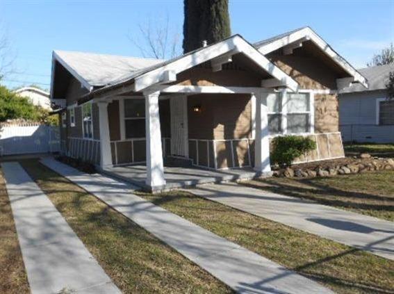 1386 N Ferger Ave, Fresno, CA