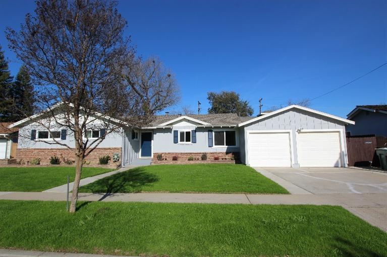 1106 W Indianapolis Ave, Fresno, CA