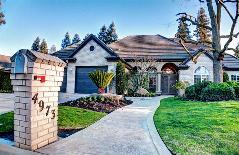 4973 W Minarets Ave, Fresno, CA