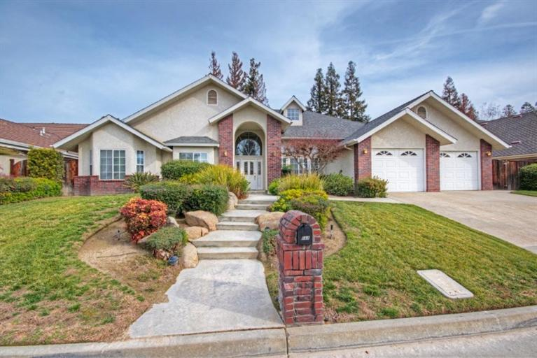 668 E Blue Ridge Rd, Fresno, CA