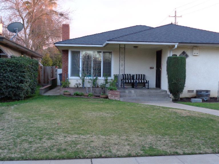 1641 W Robinson Ave, Fresno, CA