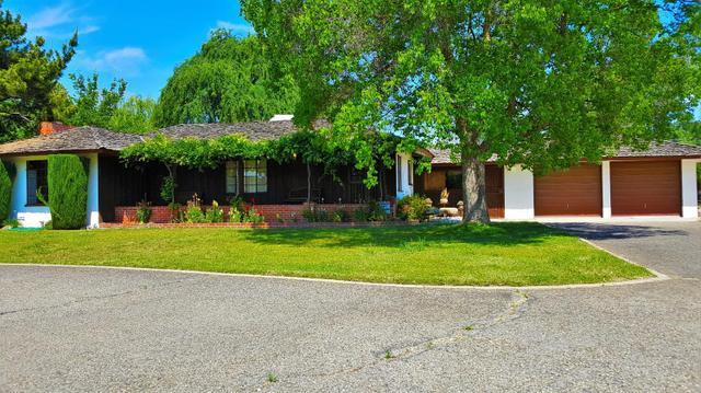 5465 E Balch Ave, Fresno, CA