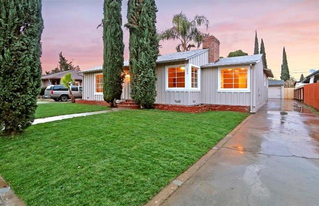 324 W Robinson Ave, Fresno CA 93705