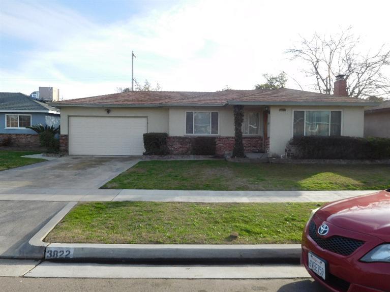 3822 E Sussex Ave, Fresno, CA