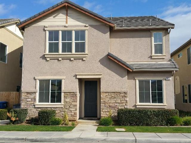 4422 W Pinsapo Dr, Fresno, CA