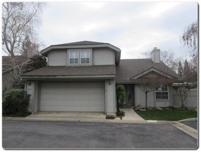 9164 N Stoneridge Ln, Fresno, CA