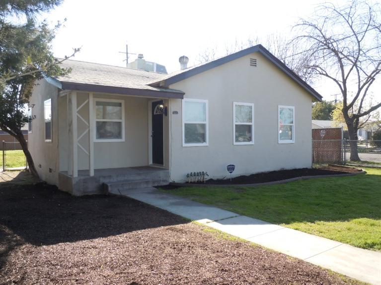 3242 E Floradora Ave, Fresno, CA