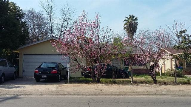 1033 N Willow Ave, Fresno, CA