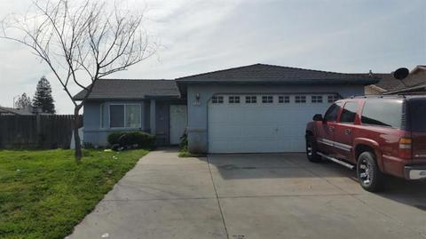1310 Kathryn Avenue Ave, Madera, CA 93638