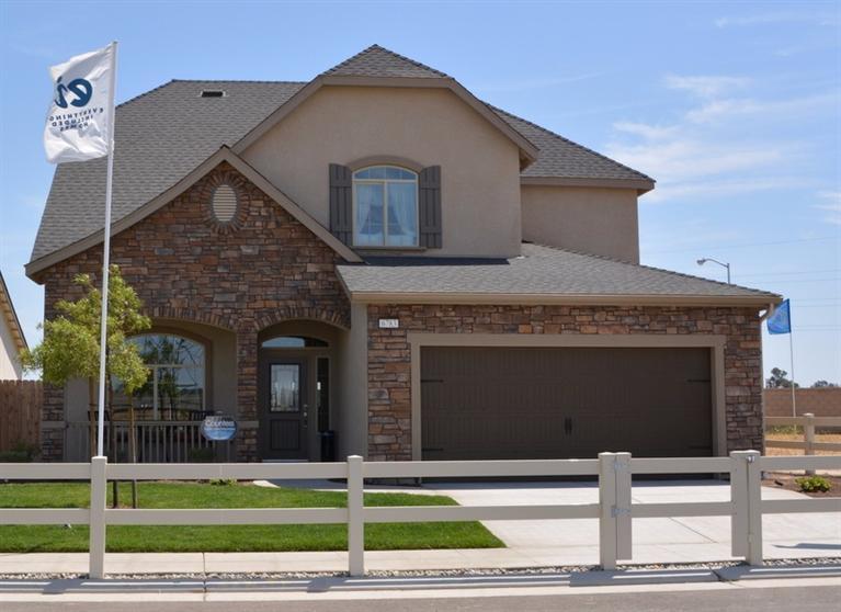6753 E Redlands Ave #APT 36, Fresno, CA