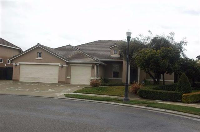 1950 N Duke Ave, Clovis, CA 93619