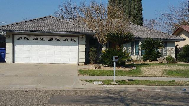 2821 Pinewood Dr, Madera, CA