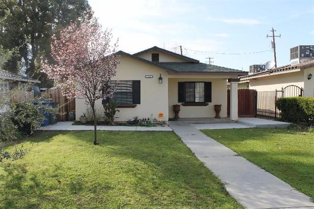 1587 N Calaveras St, Fresno, CA 93728