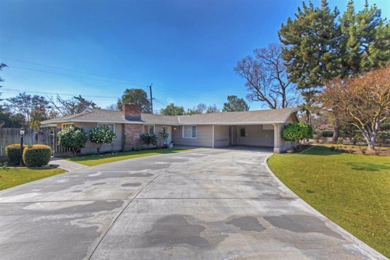 1323 W Barstow Ave, Fresno, CA