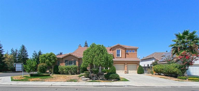 970 N Orangewood Ave, Clovis, CA