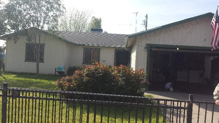 411 W Minarets Ave, Fresno, CA