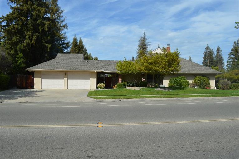 8781 N Millbrook Ave, Fresno, CA
