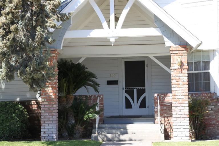 405 E Fresno Street, Dinuba, CA 93618