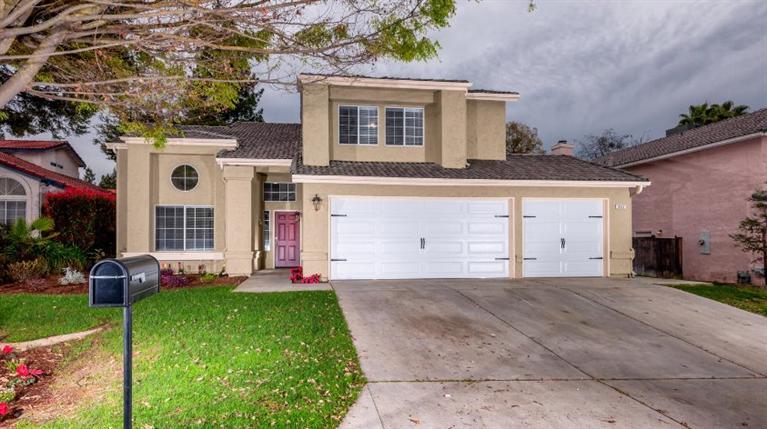 953 E Buckhill Rd, Fresno, CA