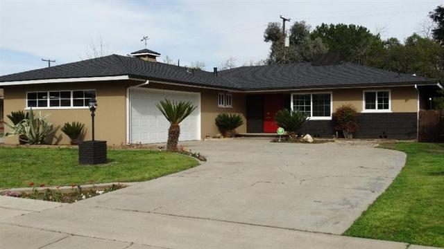 2618 N Adoline Ave, Fresno, CA