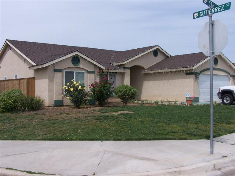207 N 5th St, Orange Cove, CA 93646