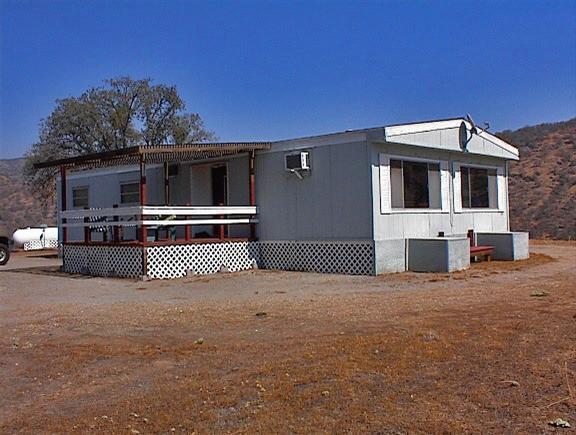 35671 Hummingbird Ln, Squaw Valley, CA 93675