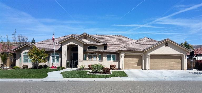 2983 Ashcroft Ave, Clovis, CA
