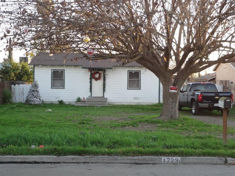 1723 W Elowin, Visalia, CA