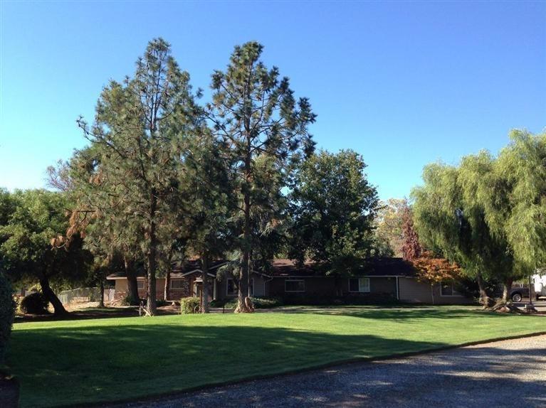 1620 N Locan Ave, Clovis, CA