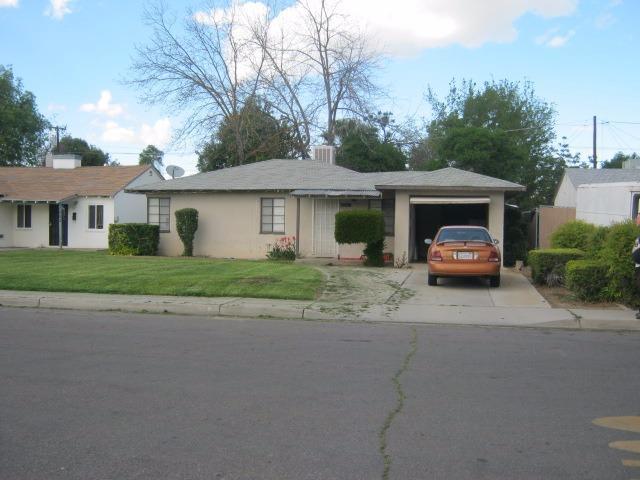 1211 E Lansing Way, Fresno, CA