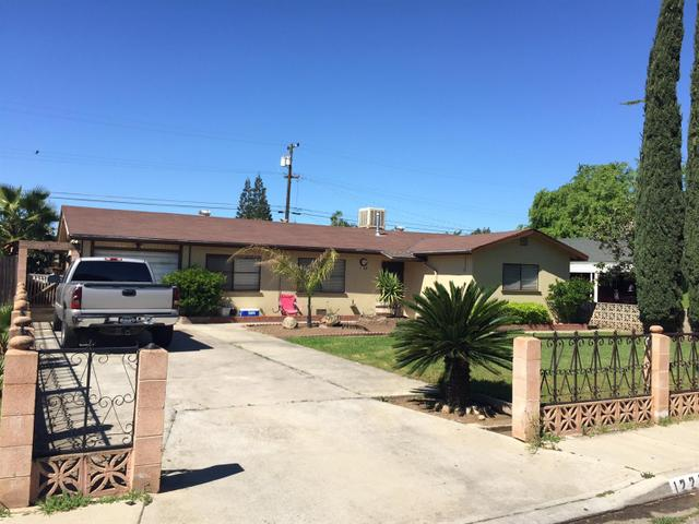 1229 N Pecan Ave Reedley, CA 93654