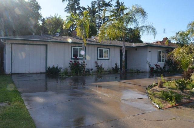 2905 N Fruit Ave, Fresno, CA