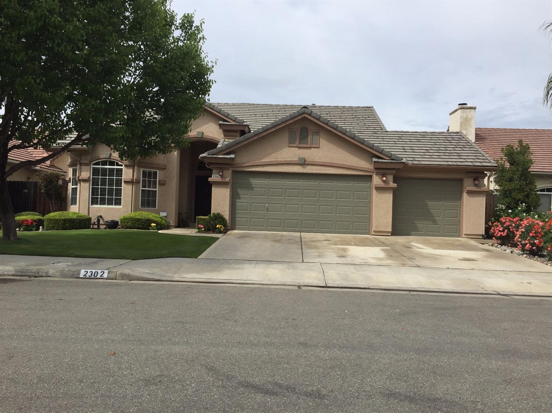 2302 E Revere Rd, Fresno, CA