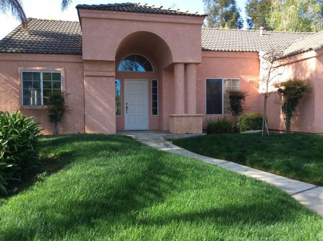 9463 N Whitehouse Dr, Fresno, CA
