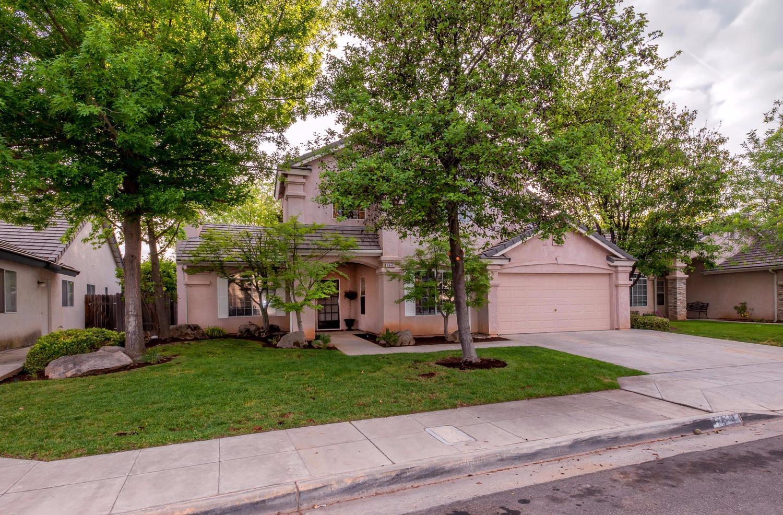 9845 N Woodrow Ave, Fresno, CA