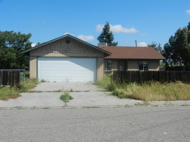 415 E Garrett Ave, Fresno, CA 93706