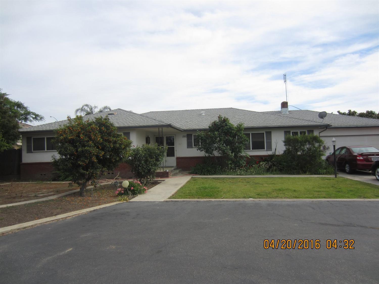 4695 W Ashlan Ave, Fresno, CA