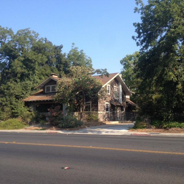 815 E Mckinley Avenue, Fresno, CA 93728