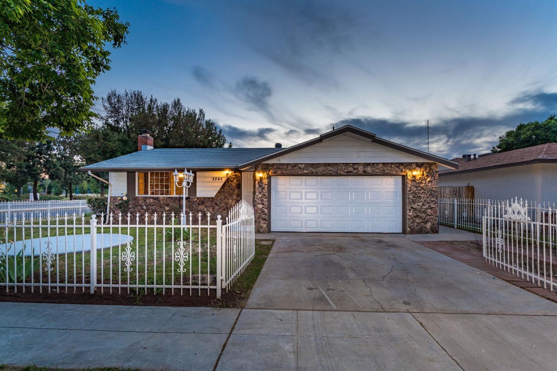 3205 N Ezie Ave, Fresno, CA