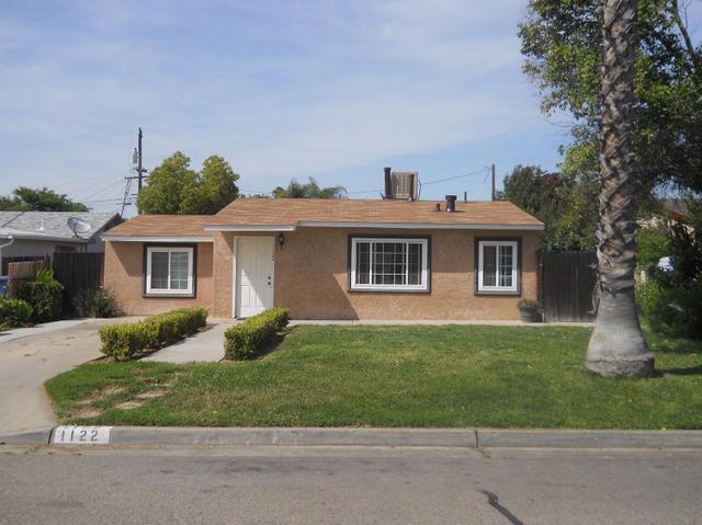 1122 W Locust Ave, Fresno, CA