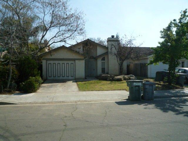 2534 N Brunswick Ave, Fresno, CA