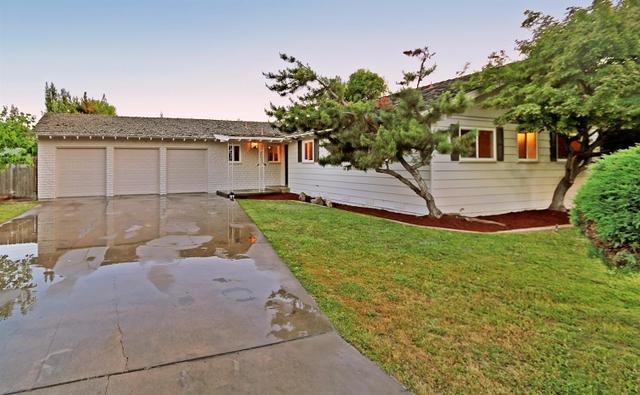 1665 W Barstow Ave, Fresno, CA