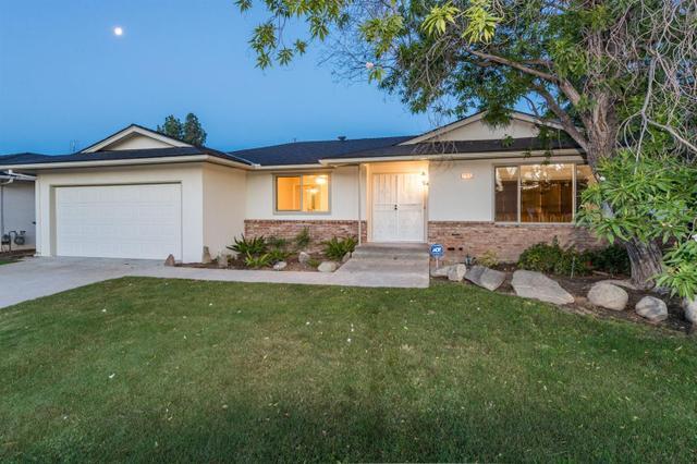 6585 N Callisch Ave, Fresno, CA