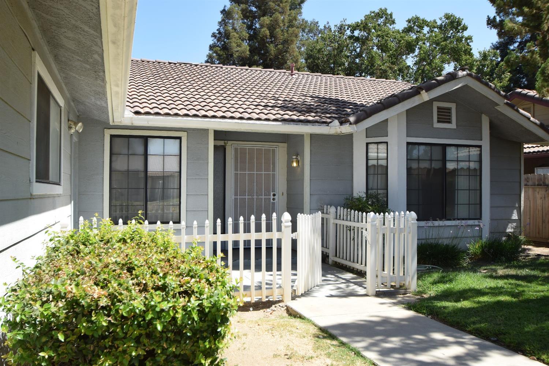 6150 N Ivanhoe Avenue, Fresno, CA 93722