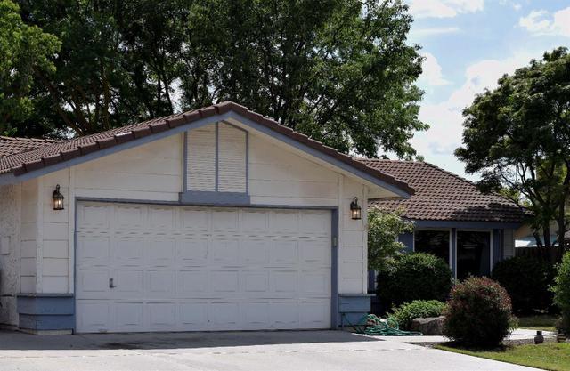 1104 Palo Alto Ave, Clovis CA 93612
