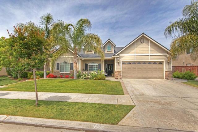641 Lester Ave, Clovis CA 93619