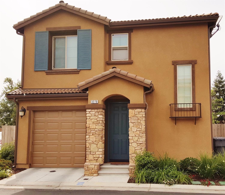 3276 Monterosa Ln, Clovis, CA