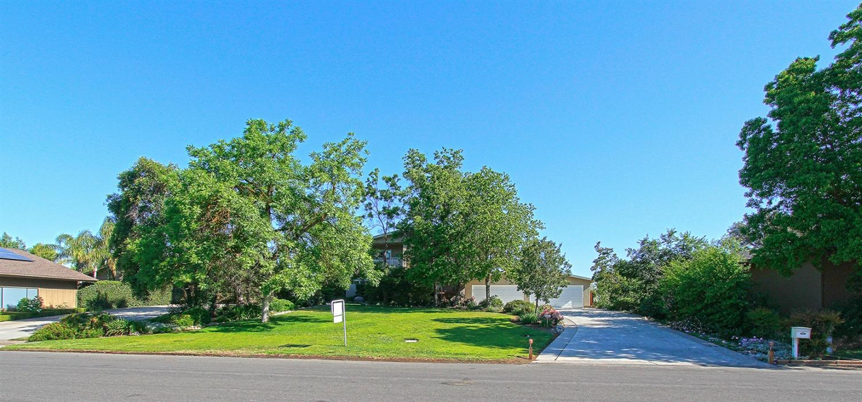 4250 W Alluvial Avenue, Fresno, CA 93722