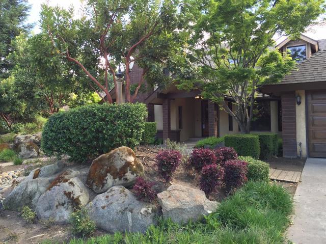 563 E Salem Ave, Fresno, CA