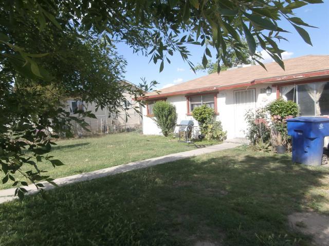 1236 Academy Ave, Sanger, CA 93657
